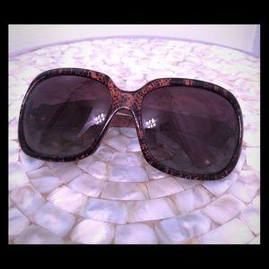Like new Nine West Polarized Sunglasses ☀️